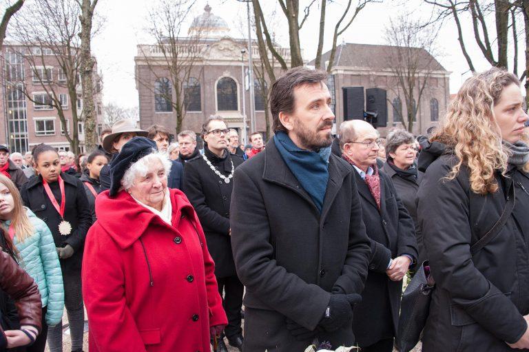 Zeeger Ernsting, Tinie IJisberg met locoburgemeester Ivens