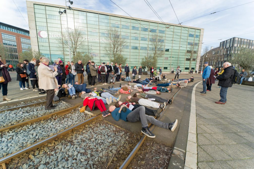 Jongerentheater over Februaristaking – foto door Hans Mooren