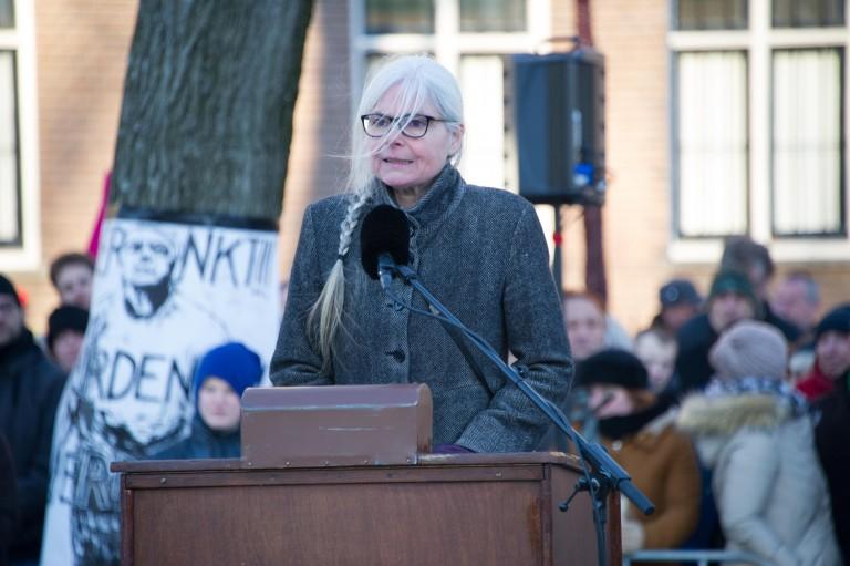 Liesbeth van der Horst spreekt bij de herdenking. Foto: Hans Mooren