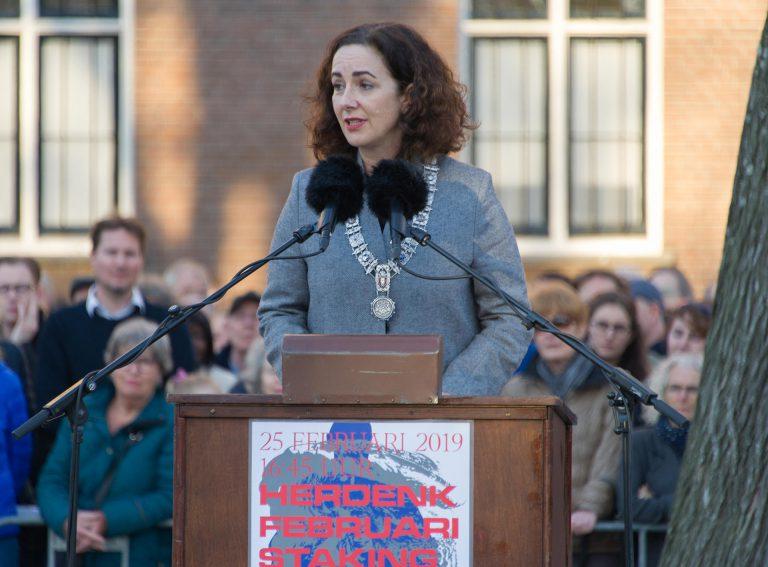 Toespraak burgemeester Femke Halsema - foto: Hans Mooren
