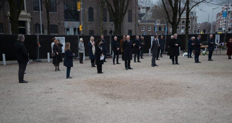 opstelling genodigden - foto Hans Mooren